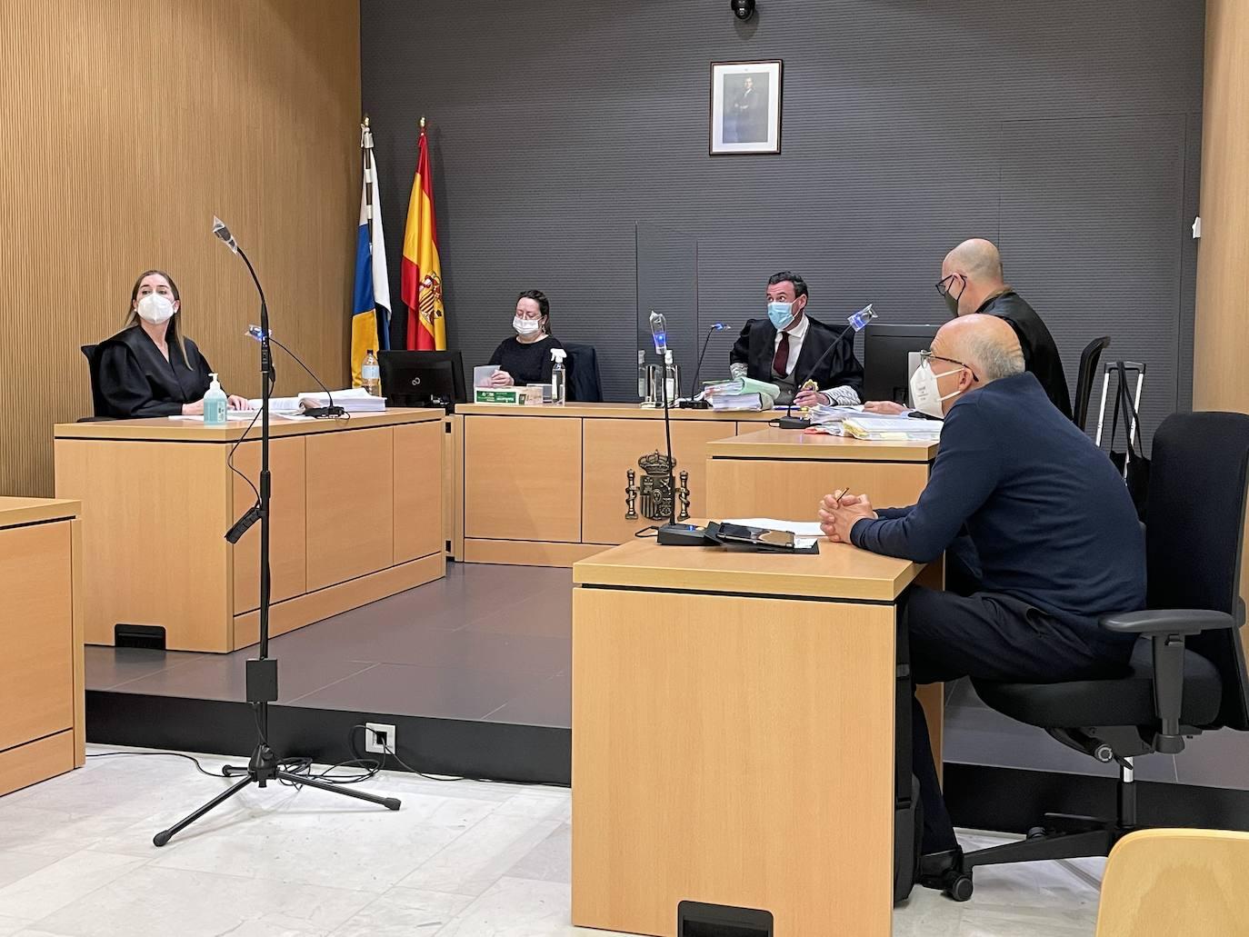 Imagen del tribunal y las partes durante la vista oral. / F. J. F.